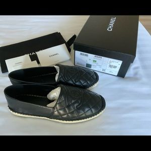 **NEW w/Box**CHANEL Quilted CC Espadrilles 38